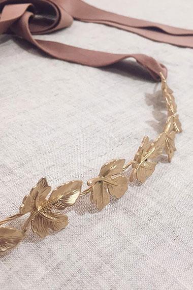 la-coqueta-lola-cinturon-tiara-dominique-moncollierbcn